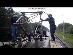 Rosjanie na dachu pociągu