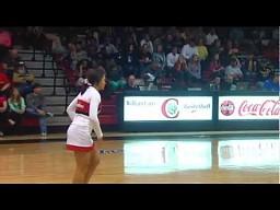 Rzut za 3 - poziom: cheerleaderka