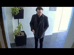 Eksperyment związany z morderstwem w windzie