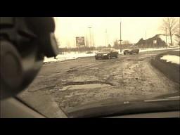 Katastrofalny stan ulicy Zbąszyńskiej w Łodzi