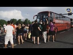 Polacy blokują autokar na serbskiej granicy
