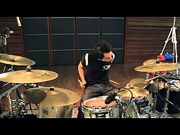 Najszczęśliwszy perkusista na świecie