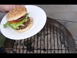 Hamburgery prosto z grilla
