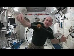 Yo-yo w przestrzeni kosmicznej