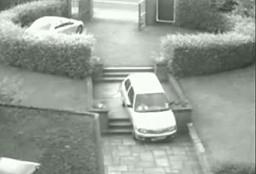Babcia w samochodzie kontra schody