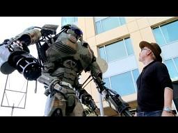 Olbrzymi Robot z Comic Con 2013