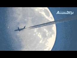 PIA B777 - przelot przed tarczą Księżyca