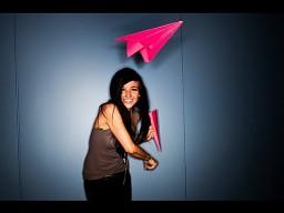 Trik z papierowym samolocikiem