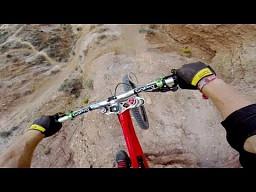 Backflip na rowerze nad 22 metrowym kanionem