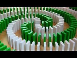 """""""Niesamowite sztuczki z domino"""""""