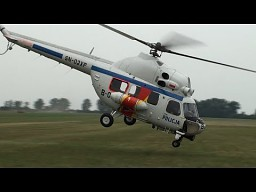 Pokaz policyjnego śmigłowca Mi-2