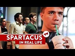 Spartacus w Starbucksie!