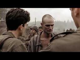 Wyzwolenie obozu koncentracyjnego okiem Stevena Spielberga i Toma Hanksa