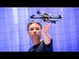 Raffaello D'Andrea: Potęga quadrocopterów