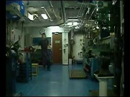 Wewnątrz statku w czasie sztormu