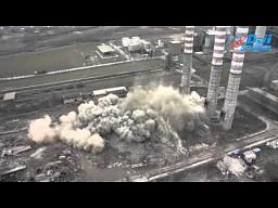 Wyburzenie komina w Cementowni Chełm