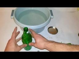 Jak uciąć butelkę sznurkiem i wodą w 20 sekund?