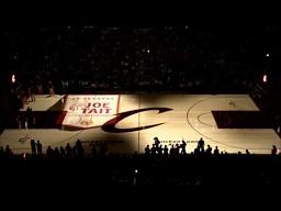 Niesamowita animacja wyświetlona bezpośrednio na parkiecie QuickLoan Arena