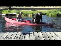 Grubasek w łódce