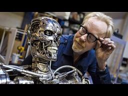Adam Savage i jego endoszkielet Terminatora T-800
