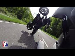 Wheelie na KTM 690 Duke