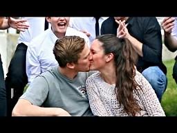 Pocałuj dziewczynę