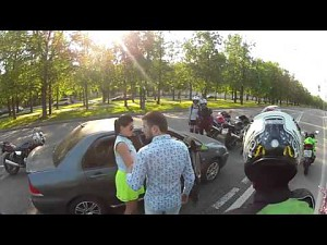 Atak motocyklistów na niedzielnego kierowcę