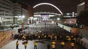 Rzeka fanów opuszcza Wembley