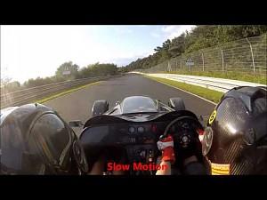 Nurburgring - wypadek 911 przy 200 km/h