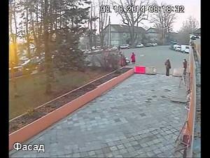 Bezczelna kradzież kiełbasy