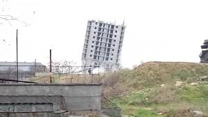Wyburzanie rosyjskiego budynku