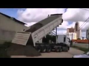 Skutek przeciążenia ciężarówki