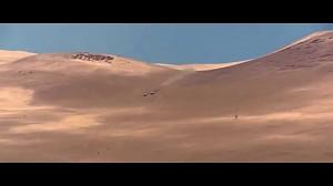 Hołek zjeżdża z wydmy na rajdzie Dakar 2015