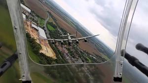 Piękny przelot bombowca Avro Lancaster nad Duxford