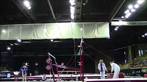 Trener łapie gimnastyczkę... dwa razy