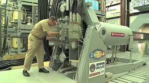 Nowe gigantyczne działo elektromagnetyczne US Navy