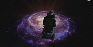 Stephen Hawking śpiewa Galaktyczną piosnkę Monty Pythona