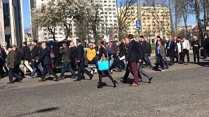 Spontaniczne tłumy na spotkaniu z Komorowskim w Gdyni