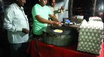 Hinduska jajecznica z niespodzianką
