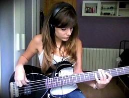 Jamiroquai - cover w wykonaniu pięknej basistki