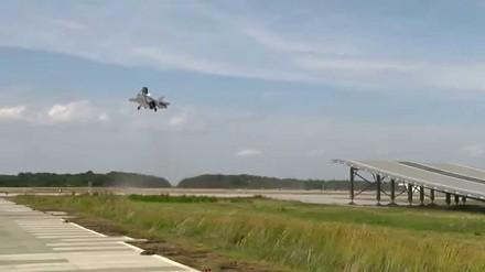 F-35B startuje z rampy