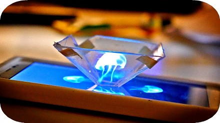 Jak zmienić smartfona w hologram 3D?