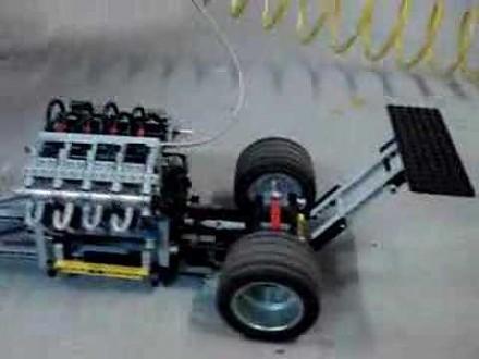 LEGOdragster pali gumę