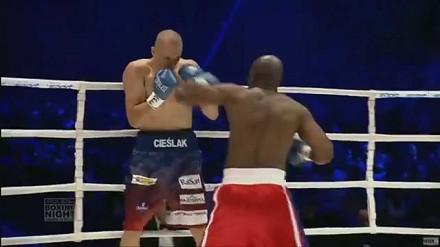 Michał Cieślak nokautuje Coxa w pierwszej rundzie