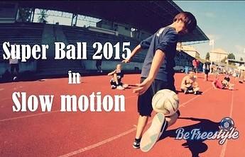 Niesamowite triki piłkarskie w slow motion