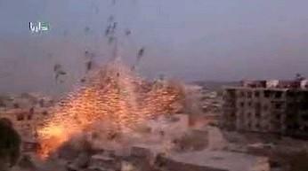 Syria - bombardowanie z bliska miasta Darayya