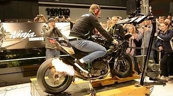 Brzmienie trzystukonnego Kawasaki H2R