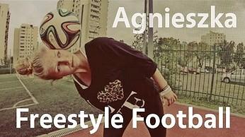 Polka zawstydza mężczyzn w trikach piłkarskich! #2