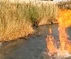 Tutaj na wsi w jeziorze mają ogniste jacuzzi