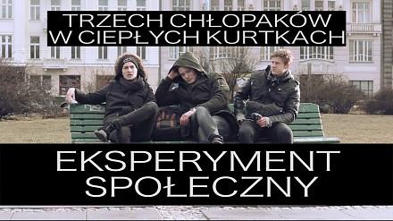 Trzech chłopaków w ciepłych kurtkach. Co ty byś zrobił?